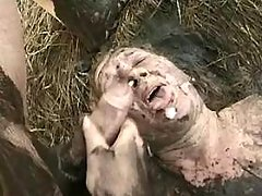 Chubby mature gets cumload in bog