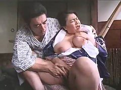 Enormous Asian mom enjoys vibrator